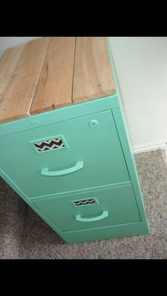 Upcycle an old filing cabinet. Like the idea to add wood to top of this filing cabinet, makes it look more like a piece of furniture Diy File Cabinet, Filing Cabinet Makeovers, File Cabinet Organization, Home Office Filing Cabinet, School Office Organization, Office Filing System, Top Of Cabinet Decor, Craft Cabinet, File Cabinet Furniture