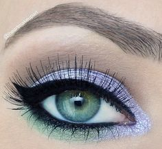 Lavender and mint green eyeshadow. In love with this look.