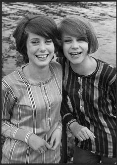 FRANCOISE DORLEAC with sister CATHERINE DENEUVE 1960