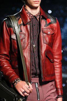 Coach 1941 Spring 2018 Ready-to-Wear Undefined Photos - Vogue Leather Fashion, Leather Men, Leather Jackets, Men's Fashion, Biker Jackets, Men's Jackets, Pink Leather, Vogue Paris, Waistcoat Men