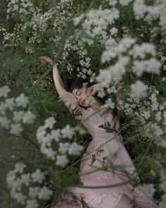 Shared by mattamanga. Find images and videos about photography and flowers on We Heart It - the app to get lost in what you love. Creative Photography, Photography Poses, Ethereal Photography, Photography Aesthetic, Dark Art Photography, Photography Flowers, Foto Fantasy, Photo Grid, Photo Vintage