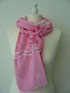 Seidenschals - Seidensamt Schal Charlotte Spitze pink - ein Designerstück von hofatelier-mode bei DaWanda