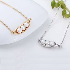 Cute! Peas In A Pod Necklace