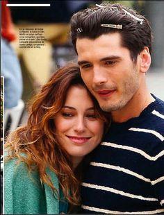 Tv Couples, Celebrity Couples, Yon Gonzalez Instagram, Series Movies, Tv Series, Birgitte Bardot, Mejores Series Tv, Spanish Men, Spanish Actress