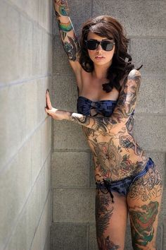 Hot girls with tats. (20)