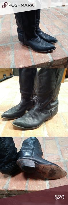 Larry Makan's Cowboy boots Awesome Boots size 7 Have a few scuff's and stiching near heal. Have alot of life in them. Larry Makan's Shoes Combat & Moto Boots