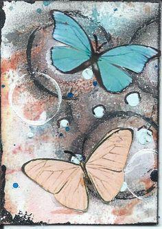 fond inspiré d'un tuto trouvé sur pinterest découpage collage de papillons
