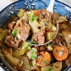 Easy one pot Vegan Corned Beef and Cabbage for St. Patrick's Day aka Corned Jackfruit with cabbage and potatoes. Plant based, gluten free and so delicious! Broccoli Recipes, Soup Recipes, Whole Food Recipes, Vegan Recipes, Vegan Soups, Cabbage Recipes, Vegan Meals, Lunch Recipes, Dinner Recipes