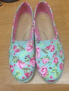Zapatos floreados