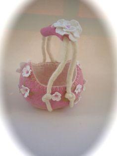 Basket. Handfelted .Felted bagBowl.Flower girl Basket. by FilzArts