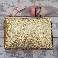 Sparkly stuff is my favourite 💖 #stationary #sparkle #glitter #gold @nikkihallisey