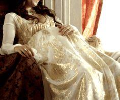Medieval Dress, Medieval Fashion, Princess Aesthetic, Turkish Fashion, Anne Boleyn, Aesthetic Gif, Character Inspiration, Wedding Dresses, Reign
