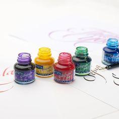 Amazon.com: Winsor & Newton Calligraphy Ink Bottle, 30ml, Blue Black