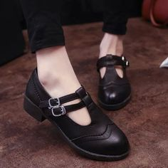 Find More Women's Flats Information about Autumn New  Shoes Woman British Style Retro Woman Shoes Belt buckle soft bottom shoes thick crust crude Single Shoes,High Quality shoes made of recycled material,China shoe mens Suppliers, Cheap shoes running shoes from Fashion Boutique Discount Stores on Aliexpress.com