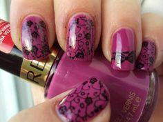 Trim those big toes though. I am not into long toe nails. Cute polish idea.