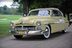 Photographs of the 1950 Mercury Series Convertible. An image gallery of the 1950 Mercury Series Edsel Ford, Car Ford, Ford V8, American Classic Cars, Ford Classic Cars, Vintage Cars, Antique Cars, Vintage Auto, Muscle Cars
