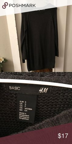 H&M Basic Sweater Dress Worn once, perfect condition. Could work as a tunic if you're taller. Otherwise it's meant to be a Sweater Dress ☺️ H&M Dresses Midi