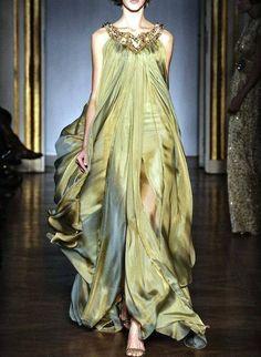 As fantásticas criações do estilista Elie Saab, o rei dos