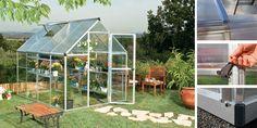 Faites entrer la nature chez vous grâce à cette serre de jardin Silver de 4,6 m², dotée de parois en polycarbonate transparent de 0,75 mm qui permet une diffusion totale de la lumière et présente l'avantage d'avoir un toit en polycarbonate double paroi afin de dévier les rayons du soleil. Equipée d'une lucarne, d'une porte battante et d'une gouttière. Livrée avec sa base. Assemblage facile et sans entretien. Disponible chez OOGarden