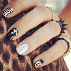 Rock star nails #nail #unhas #unha #nails #unhasdecoradas #nailart #cool #stylish #fashion #lindo #preto #branco