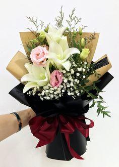 #花形典雅大方 #清香宜人 #永恒的美 #百合 #洋桔梗 #花束 #鲜花 #满天星 #欧式 #韩式 #设计 #预订 #大束 #大体 #Longiflorum #HandBouquet #Babybreath #JohorBahru #Johor #JohorJaya #Florist #小天使花屋 #AngelFloristGiftCentre #新山花店 #花店 #新山 #柔佛 #Wechat #WhatsApp 010-6608200 Flower Bouquet Diy, Beautiful Bouquet Of Flowers, Hand Bouquet, Blue Bouquet, Floral Bouquets, Flower Vases, Beautiful Flowers, How To Wrap Flowers, Hand Flowers