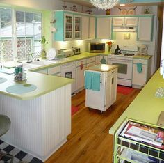 Lora's vintage style kitchen makeover — inspired by a single Franciscan Starburst dinner plate