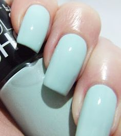 Pretty Girl Science: Maybelline Color Show in Mint Mist
