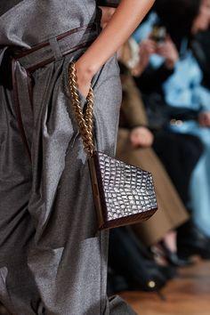 Stella McCartney Fall 2020 Ready-to-Wear Fashion Show | Vogue Fashion 2018, Fashion Week, Fashion Show, Luxury Fashion, Fashion Outfits, Fashion Tips, Fall Fashion, Stella Mccartney, Vogue Paris