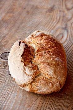 Alm-Rezepte: Rauriser Weizensauerteigbrot - Plötzblog - Selbst gutes Brot backenPlötzblog – Selbst gutes Brot backen