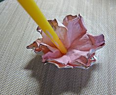 Bumblebees and Butterflies: Watercolour paper shabby flowers Tutorial How To Make Paper Flowers, Paper Flowers Diy, Paper Roses, Handmade Flowers, Flower Crafts, Fabric Flowers, Craft Flowers, Shabby Chic Flowers, Vintage Flowers