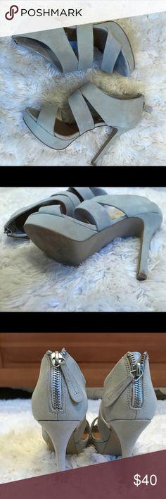STEVE MADDEN light grey suede heels Barely worn Steve Madden heels in a grey suede! This neutral shoe is super flattering and comfy! Steve Madden Shoes Heels