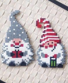 Christmas hama perler beads by Hama Beads Design, Hama Beads Patterns, Beading Patterns, Color Patterns, Pixel Art Noel, Christmas Perler Beads, Peler Beads, Iron Beads, Melting Beads