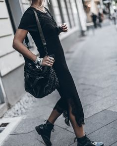 perfect combo - black boots and slip dress. Boho Fashion, Fashion Outfits, Womens Fashion, Fashion Trends, Street Fashion, Long Slip Dress, Slip Dresses, Tattoos Familie, Mode Simple