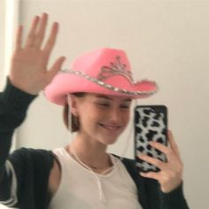 Find images and videos about girl, style and pretty on We Heart It - the app to get lost in what you love. Pink Cowboy Hat, Cowboy Hats, Cowgirl Party, Cowgirl Costume, Estilo Indie, Foto Instagram, Instagram Ideas, Autumn Instagram, Instagram Story