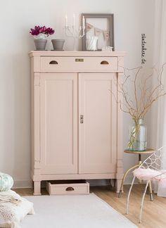 shabby-chic-vertiko-xxl-judy - New Ideas Salon Shabby Chic, Shabby Chic Pink, Shabby Chic Style, Shabby Chic Furniture, Painted Furniture, Chic Bathrooms, Home And Deco, Farmhouse Chic, Home Living Room