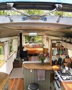 Bus Living, Tiny House Living, Living In A Caravan, Living Room, Kombi Home, Van Home, Campervan Interior, Volkswagen Bus Interior, Motorhome Interior