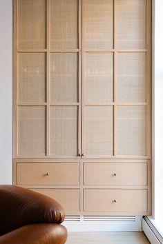 Modern Office Design, Office Interior Design, Interior Design Inspiration, Interior Decorating, Architecture Details, Interior Architecture, Joinery Details, Wardrobe Design, Cabinet Design
