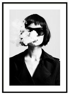 Girl Smoking, Women Smoking, White Art, Black White, White Photography, Fashion Photography, Rauch Fotografie, Gold Poster, Black And White
