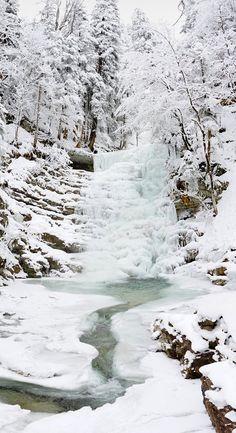 Eiswasserfall