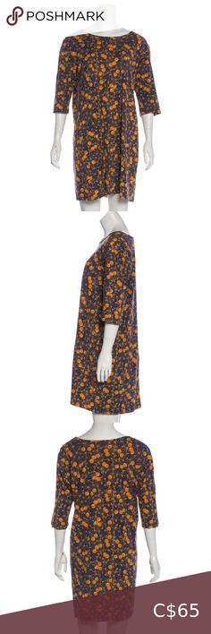 Marimekko sleeve mini dress Navy blue and orange 🍊 graphic printed mini dress with scoop neck and length sleeves. Marimekko Dress, Mini Dress With Sleeves, Plus Fashion, Fashion Tips, Fashion Trends, Navy Blue Dresses, Scoop Neck, Orange, Printed