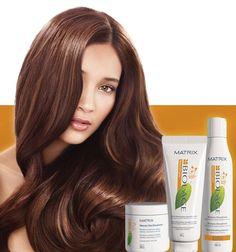 SMOOTHTHéRAPIE SERVIZIO DISCIPLINA E CONTROLLO A LUNGA DURATA PER CAPELLI CRESPI DIFFICILI DA GESTIRE Controlla l'effetto crespo grazie ad elementi naturali a base di OLI di FIORI di CAMELIA, ricco di Vitamina E, rendendo i capelli SOFFICI e LUCENTI.