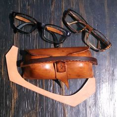 Two pairs of #eyeglasses, one #leathecase #molded  #horween #horsehide  One knife, one cut. Most of the time. :^)
