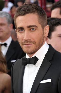 Jake Gyllenhaal at the 2013 Academy Awards #style #classic #pocketsquare