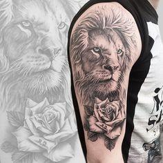 Tatuagem criada pelo tatuador Marcos Torre de Belo Horizonte. Clique para saber mais sobre o trabalho desse tatuador.    #tattoo #tatuagem #animal #realismo #pretoecinza Polynesian Tattoo Designs, Animal Design, Lions, Portrait, Illustration, Instagram, Lion Shoulder Tattoo, Wolf Tattoo Sleeve, Mens Tattoos