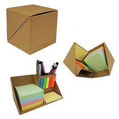 Bloquinho personalizado - Bloco de Anotações com post-its coloridos. Post-its amarelo com aproximadamente 40 paginas Origami Gift Box, Diy Gift Box, Pill Box Organizer, Creative Calendar, Origami Models, Modular Origami, Useful Origami, Diy Notebook, Loom Bands