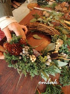 ombak flower lesson @ombak acchi | ombak Christmas Flower Decorations, Christmas Wreaths To Make, Christmas Crafts, Pine Cone Art, Nordic Christmas, Deco Floral, Advent, Holidays And Events, Dried Flowers