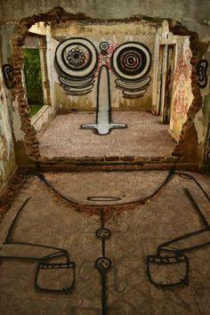 Edificio en ruinas   -   Street art façon Dali...
