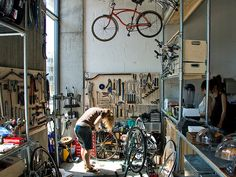 super integrated bikeshop and cafe