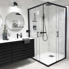 Banheiro preto e branco: 50 dicas e inspirações Interior Design Minimalist, Bathroom Goals, Dream Bathrooms, Master Bathrooms, Master Baths, Small Bathrooms, Modern Bathrooms, Beautiful Bathrooms, Modern Luxury Bathroom