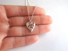 * I LOVE MY DOG NECKLACE - Do you love your puppy? Is your dog your family/best friend? This necklace is for you to remember the greatness of your dog. * Do you have a pet dog? Whether it is Golden Do